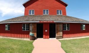 k-Red-Barn-1-600x600